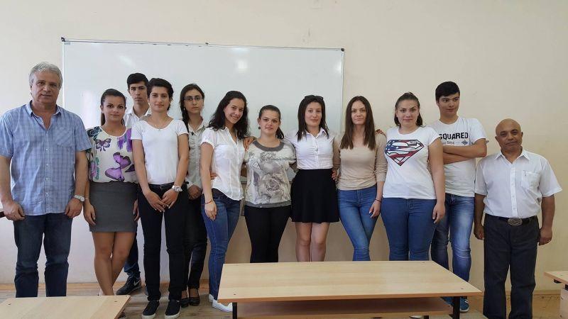 Ученици от гимназията по икономика в Сливен проведоха импровизирано заседание на общински съвет