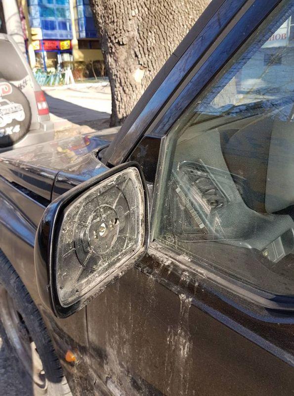 Отново и отново - повредени коли и счупени огледала в Сливен