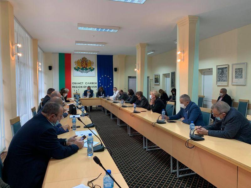 В заседанието участваха ръководители на държавни структури, общините, лечебни заведения.