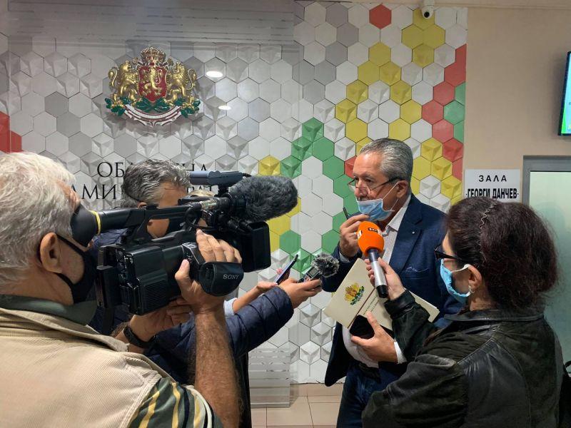 Областният управител информира медиите за взетите решения.