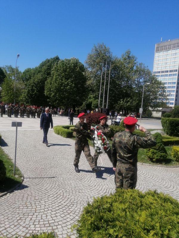 Областният управител Ч.Божурски поднесе венец пред паметника на Хаджи Димитър