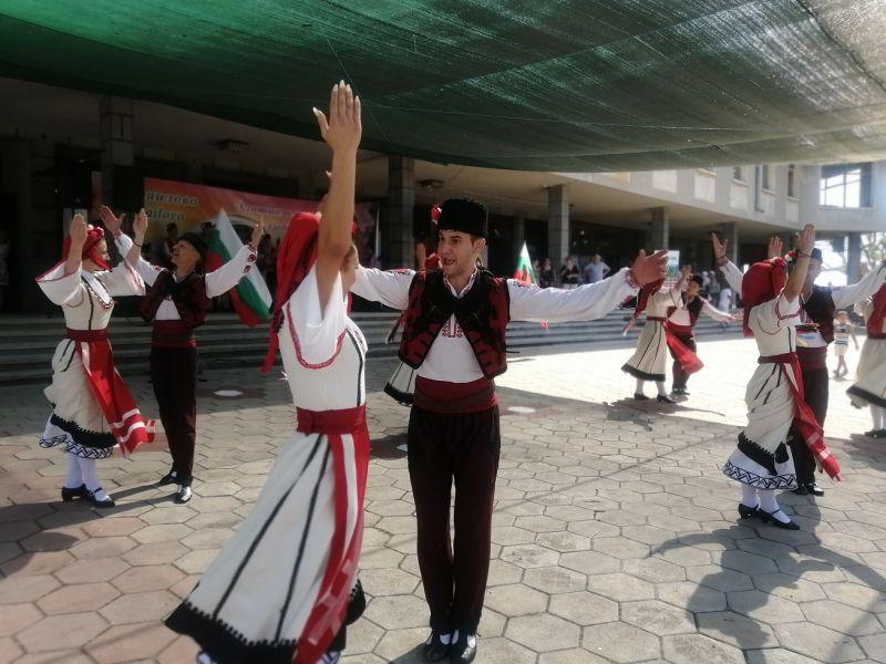 Танцьорите на АНПТ - Сливен