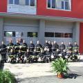 Служителите в районната служба си направиха снимка за спомен пред обновената сграда
