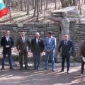 Гости на официалното откриване на възстановената чешма