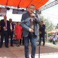 Областният управител Чавдар Божурски приветства жителите на селото и техните гости от страната и чужбина