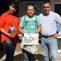 """Константин Ангелов /в средата/-победител в конкурса """"Какво знам за"""" Халката?"""