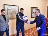 """Стефан Радев връчи дрегера на началника на Сектор """"Пътна полиция"""""""