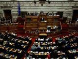 Ципрас по време на речта си в парламента преди вота на доверие
