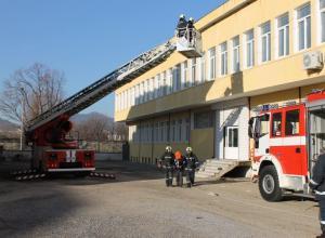Областният управител присъства на проиграване на евакуация при пожар