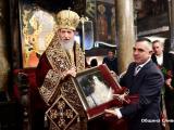 Стефан Радев подари картина на митрополит Йаникий