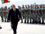 Премиерът Бойко Борисов беше посрещнат с военен ритуал и прие строя на курсантите в Долна Митрополи