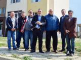 Кметът Стефан Радев изрази надежда, че живущите там са останали доволни от извършената работа и допълни, че в близост до блока Общината предвижда изграждането на още една спортна площадка