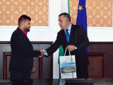 Кметът Стефан Радев награди европейския шампион по вдигане на тежести Божидар Андреев