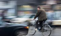 Dangerous city traffic situation ©AP Images/European Union-EP    Уязвимите участници в пътното движение представляват почти половината от жертвите по пътищата ©AP Images/European Union-EP