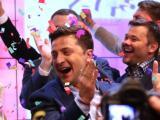 Комикът  Володимир Зеленски лекува след победата на президентските избори в Украйна.