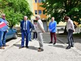 Пред жителите на блока кметът Стефан Радев заяви, че санирането на сградите е поредна стъпка към надграждане на всичко постигнато до момента