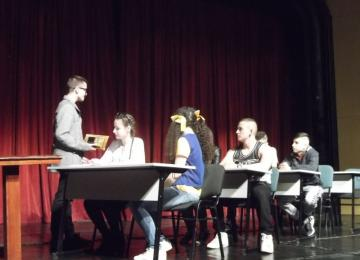 Сцена от постановката