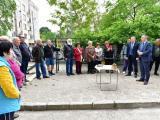 Пред кмета Стефан Радев жителите на блока споделиха, че са очаквали с нетърпение този момент