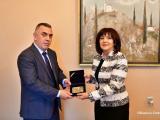 Специално изработен плакет по повод честванията на 140-та годишнина от приемането на Търновската конституция получи кметът Стефан Радев