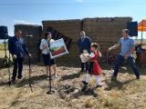 Стефан Радев и Десислава Танева поздравиха стопаните и пожела успешна жътвена кампания