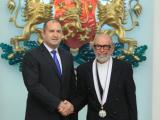 """Журналистът и мореплавател Дончо Папазов бе награден с орден """"Стара планина"""" първа степен за принос в областта на спорта, науката и журналистиката."""