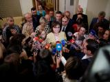 Корнелия Нинова в изявление пред медиите в парламента