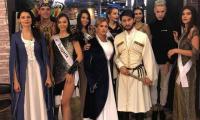 Мис България Теодора Мудева с приз от Мис Планет