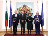 Президентът Румен Радев  и наградените