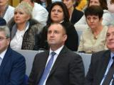"""Президентът Румен Радев откри във Варна благотворителната инициатива """"Българската Коледа""""."""