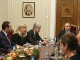 Президентът Румен Радев на срещата  с министъра на икономиката Емил Караниколов, екоминистъра Нено Димов и регионалния министър Петя Аврамова