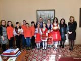 """Студенти по специалността """"Акушерка"""" във Филиал Сливен към Медицински университет - Варна и ученици от ОУ """"Елисавета Багряна"""" посетиха днес Общината"""