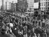 Парад на нацистите в САЩ, а войната вече е започнала...