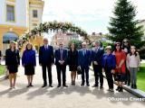 Традиционният гирлянд пред паметника на Хаджи Димитър и сливенските възрожденци
