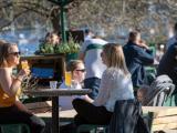 Най-млади напускат дома си шведите