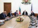 Бойко Борисов  на среща със здравния министър и Националния оперативен щаб
