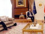 Урсула фон дер Лайен не получи стол по време на преговорите с Ердоган в Турция
