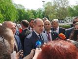 Румен Радев говори пред журналисти в Първомай